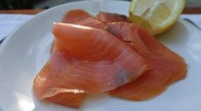 L'autre invité sur nos tables de fin d'année : le saumon fumé ! Comment le choisir ?